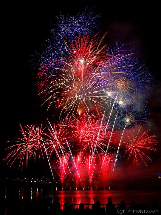 Du Lac Leamy Sound Of Light Gatineau Ottawa Fireworks By Pyro Spectaculars