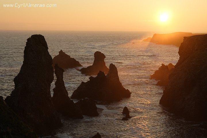 Couchers de soleil sur les côtes rocheuses de belle île en mer